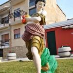 33 - Donna con fiori e passerotto - Geom. Giovanni Barabino