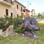 37 - Cinghiale - Giuseppe Coinu e famiglia. Hotel Cala Reale